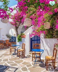 Prodromos a very beautiful picturesque blooming village in Paros island ! Member of 13 great hubs… Beautiful Places To Travel, Wonderful Places, Places Around The World, Around The Worlds, Bougainvillea, Dream Vacations, Beautiful Gardens, Places To Go, Beautiful Pictures