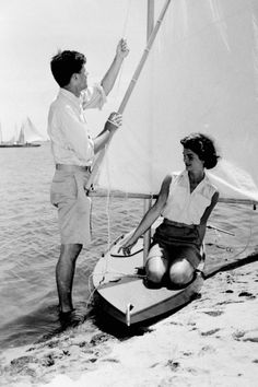 Ultimate Style Icons Jacqueline Kennedy Onassis - Jacqueline Kennedy Onassis - Page 31 | Fashion Pictures | Marie Claire