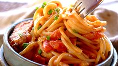 The ideal weeknight treat, this paprika spaghetti dish will have your family licking their lips for more! Good Healthy Recipes, Healthy Foods To Eat, Easy Dinner Recipes, Great Recipes, Favorite Recipes, Easy Recipes, Recipe Ideas, Amazing Recipes, Eating Healthy