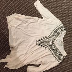Free People shirt Beautiful light weight free people top! Free People Tops Tees - Long Sleeve