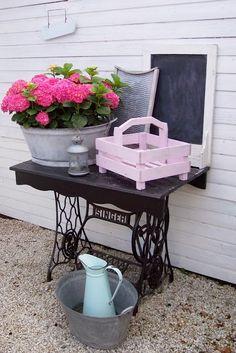 HOME & GARDEN: 60 идей для утилизации старых швейных машин