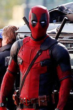 "Ryan Reynolds filming ""Deadpool"" in Vancouver, Canada Ryan Reynolds Deadpool, Deadpool Pictures, Deadpool 2016, Wade Wilson, Marvel Wallpaper, Mobile Wallpaper, Adult Coloring Pages, X Men, Marvel Comics"