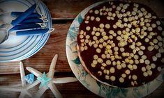 Νόστιμη και εύκολη τούρτα παγωτό με γιαούρτι (pics) Tiramisu, Cereal, Sweets, Breakfast, Ethnic Recipes, Food, Morning Coffee, Gummi Candy, Candy