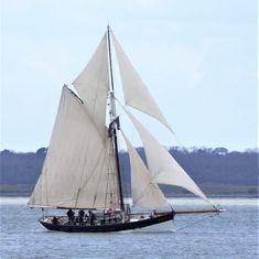 Sailing Yachts, Sailing Ships, Boat Stuff, Motor Yacht, Black Rock, Saint George, Tall Ships, Water Crafts, Boats