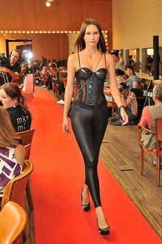 Coletiva de imprensa e desfile da linha de roupas, acessórios e lingerie da Nicole Scherzinger para a C Pop Fashion.     #Nicole #Scherzinger - We Love U! - http://LikePlusFollow.Net