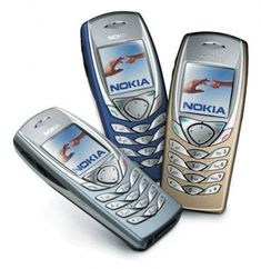 Nokia 6100 - the best phone I've had; strong as a brick! It only died when it was washed. after being stamped on by a horse and rolled on by a tractor! Old School Phone, Old Phone, Cell Phone Pouch, Cell Phone Plans, Phone Cases, Flip Phones, New Phones, Mobile Phones, Mobiles