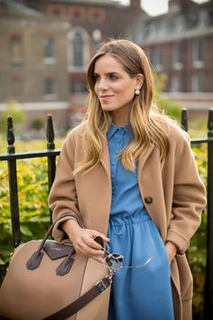 A Day In Notting Hill - Gal Meets Glam