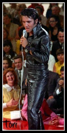 Elvis on stage at the NBC Studios on June 29, 1968. #ElvisPresley