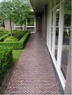 Old stone paving, heringbone pattern Garden Floor, Balcony Garden, Back Gardens, Outdoor Gardens, Brick Paving, Paved Patio, Gras, Dream Garden, Garden Paths