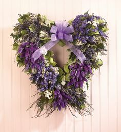 ~lavender heart wreath Neat for a year round aromatic decor. Wreaths For Front Door, Door Wreaths, Grapevine Wreath, Lavender Cottage, Lavender Fields, French Lavender, Lavander, Dried Flowers, Purple Flowers