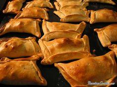 Empanada chilena de carne   http://www.recetasgratis.net/Receta-de-Empanadas-chilenas-receta-11657.html