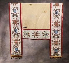 Beaded saddle blanket Native American Beadwork, Native American Art, Bead Jewelry, Jewelry Design, Saddle Blanket, Navajo Rugs, Horse Gear, Quill, Horse Stuff