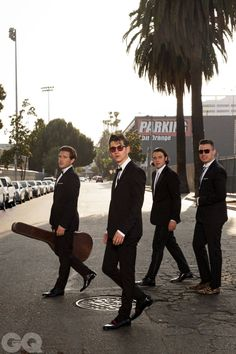 British indie rock band, the Arctic Monkeys. Arctic Monkeys Wallpaper, Monkey Wallpaper, Matt Helders, Rock Bands, Grunge Tattoo, The Wombats, The Last Shadow Puppets, Music Aesthetic, Ringo Starr