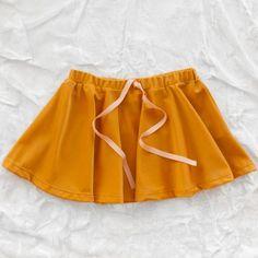 #gro #skirt on http://zigzagmom.com/tutu-for-two/