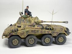 1/35 GERMAN ARMORED CAR Sd.Kfz.234/2 PUMA (CYBER-HOBBY)