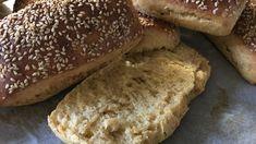 """""""Ett fantastiskt bröd!"""" Så säger Anna Bergenström i sin bok Annas mat om det här brödet. Jag är benägen att hålla med. Lätt att göra och passar till många tillfällen, morgonkaffet, eftermiddagsteet, till soppa, till fyllda mackor, till picknic, till buffé, kalas med mera! Jag hade det till fredagsmyset nu i fredags och alla blev…"""