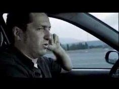 Sintonía - Corto de amor ¿Dónde están los personajes?¿Qué estan haciendo?¿De qué puede tratar el corto? 3:03 -> ¿Por qué el conductr habrá buscado la misma sintonía que la conductora? ¿Qué habrá pensado para buscar el mismo programa? ¿Qué pasará en la siguiente escena? 3:45 -> FINAL ¿Habrías llamado si fueras el conductor?¿Qué habrías pensado si fueras la chica? ¿Qué habrías dicho en el programa? ¿Habrías acudido a la cita? ¿Has llamado alguna vez?¿Crees que llamarías? ¿Son populares en tu…