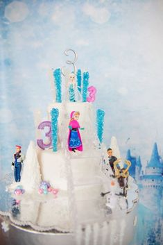 Bolo Frozen: 60+ Fotos, Modelos e Ideias Incríveis para Decorar Bolo Frozen, Children, Cake, Frozen Party, Plain Cake, Decorating Ideas, Templates, Pictures, Young Children