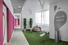 What a neat indoor area utilizing synthetic grass!  www.synlawn.com