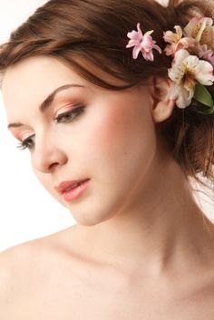Find The Best Wedding Hair And Makeup Artists Stylists By Browsing Our Vendor Directory