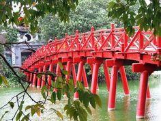 The Huc bridge. http://www.hainamtravel.com/