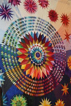 Mandala quilts never fail to amaze me. Patchwork Quilting, Quilting Projects, Quilting Designs, Quilt Design, Star Quilts, Quilt Blocks, Tableaux D'inspiration, Flying Geese Quilt, Quilt Modernen