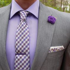Last post of my theme week. I hope you all enjoyed it. If you didn't know what the theme was it was....it was purple. There's a few reasons why: 1. this is a color that is under utilized on men's wear. 2. It's a perfect spring color 3. I want to wear purple more and this is the start! Also check out my last post for exciting news! I have a blog with my brother...we hope you like it. I hope to post more content there. Tie & Lapel Pin: @winnerscirclefashion Tie Bar: @perryellis Pocket Square…