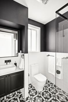 #modernhamptons #floortiling #powderroom #bathroominspiration #architecturdesign #hallharthomes #customdesignsolutions #designflexibility