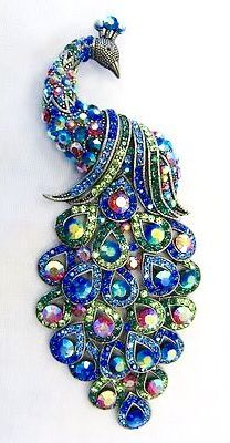 Pinned by Ann-Marie, moved from other board. Very pretty blues - 5 inches long -- Large Silver Plated Multicolor Crystal Peacock Brooch Animal Jewelry, Jewelry Art, Antique Jewelry, Vintage Jewelry, Fine Jewelry, Fashion Jewelry, Jewelry Making, Jewelry Quotes, Jewelry Accessories