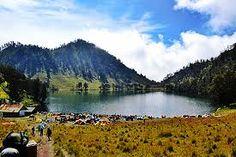 Paket Wisata Danau Ranu Kumbolo http://ronapersadatour.com/paket-wisata-ranu-kumbolo/