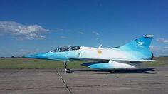 Mirage, despedida de la FAA, nov 2015 Airplane Fighter, Fighter Aircraft, Military Jets, Military Aircraft, Air Fighter, Fighter Jets, Commercial Plane, American Air, Airplane Design
