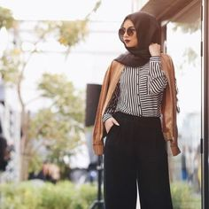 Striped shirt hijab look-Casual and sporty hijab style – Just Trendy Girls