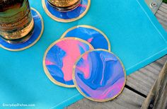 Our DIY oven-baked clay coasters are such a fun craft! Pick clay in your favorite colors then create a uniquely pretty marbled design! Creative Crafts, Diy Crafts For Kids, Fun Crafts, Arts And Crafts, Kids Diy, Holiday Crafts, Polymer Clay Projects, Diy Clay, Clay Crafts