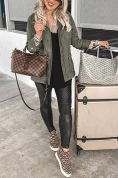 Fall Fashion Outfits, Casual Fall Outfits, Mom Outfits, Fall Winter Outfits, Women Fall Outfits, Travel Outfits, Everyday Outfits, Fashion Fashion, Casual Wear