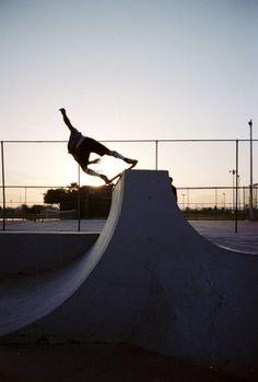 Skating is awesome #skateboarding #fun #extremesports http://www.blueprinteyewear.com/
