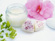 Kokum butter, the amazing beauty butter for skin and hair Cocoa Butter, Shea Butter, Le Psoriasis, Acne Moisturizer, Kokum Butter, Acne Oil, Homemade Lip Balm, Oil Shop, Spa