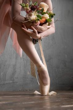 <<Reyna Carrillo (Bolshoi Ballet Academy) # Photographer Daria Chenikova>>