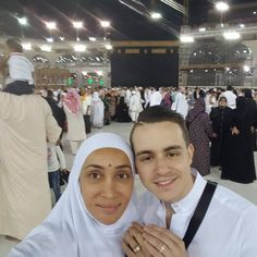 Sofia Hayat created headlines when post -Bigg Boss she chose to be a nun and named herself Gaia Mother. Just yesterday, she put an Instagram video which will shock you completely. She claimed that she was sexually assaulted at Mecca. She was with her fiance Vlad. She took to Instagram... http://indytags.com/watchex-big-boss-contestent-sofia-hayat-sexually-harassed-at-mecca-opens-up-about-it/