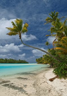 "Tapuaetai ""One Foot"" Island - Aitutaki Atoll - Cook Islands"