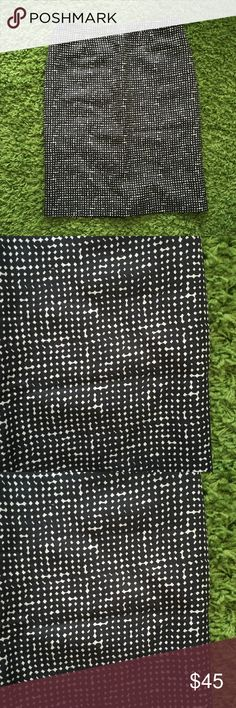 Tory burch black white pattern skirt Tory burch black white pattern skirt Tory Burch Skirts Pencil