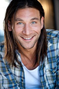"""Zach McGowan of Showtime's """"Shameless"""" talks about how he travels and travel memories."""