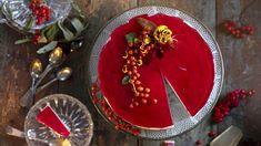 Kettukarkkikakku on juustokakkujen uusin hittiohje - Kotiliesi. Christmas Mood, Christmas Baking, Sweet Pastries, Cheesecakes, Panna Cotta, Birthday Candles, Food And Drink, Treats, Candy