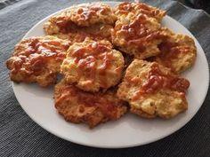 Egy finom Túrós-zabpelyhes sajtos tallér ebédre vagy vacsorára? Túrós-zabpelyhes sajtos tallér Receptek a Mindmegette.hu Recept gyűjteményében! Healthy Sweets, Light Recipes, Cake Cookies, Tapas, Paleo, Food And Drink, Diet, Chicken, Drinks