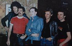 Queen with Gary Numan, Japan 1981 Freddie Mercury, Music Icon, My Music, Sundara Karma, Gary Numan, Music And Movement, British Rock, Queen Band, Song Playlist