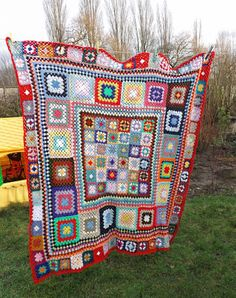 Bits And Bobs: Scrappy Crochet Blanket