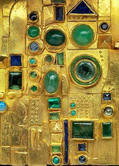 Hermann Jünger / Detail of a brooch-1970-72 Gold, emeralds, chrysoprase, sapphires, opals, lapis lazuli, and enamel.