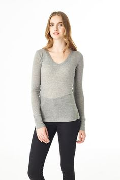 Britta V-Neck - A similarly flattering body like the scoopneck, but in a deep V-neck.