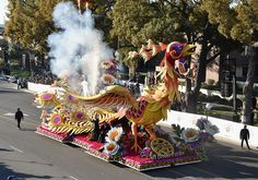 Pasadena, CA. (August – Applications for the 2018 Tournament of Roses Royal Court are now available on the Tournament of Roses website. The Tournament of Roses invites young ladies to become a part of history in the search for the Rose Queen and Rose Bowl Parade, Rose Queen, Royal Court, Event Calendar, Beautiful Flowers, 3 D, Parade Floats, Roses, January 2
