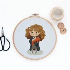 Hermione Granger pattern Pattern PDF includes: - DMC list of thread colors - Pattern in color blocks - Pattern in symbols - Cross Stitch Basics PDF for beginners Stitches: W58 x H89 Dementions: Aida 14 10.52 (W) x 16.15 (H) cm Please note, this is a PDF pattern only, no fabric, floss,