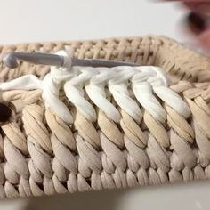 """1,907 Likes, 55 Comments - Vanessa Eduardo (@passa_la_em_casa) on Instagram: """"Esse ponto é lindo demais . . . . By @soft_decor_ . . . #crochet #crochetaddict #crochet…"""""""